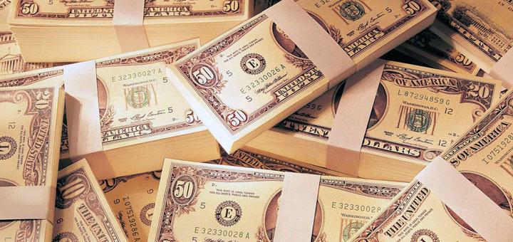 Зарабатываем на курсе доллара